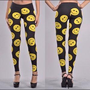 Pants - Smiley Face Leggings